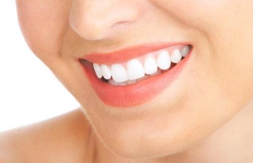 Cara Memutihkan Gigi Alami Yang Ampuh