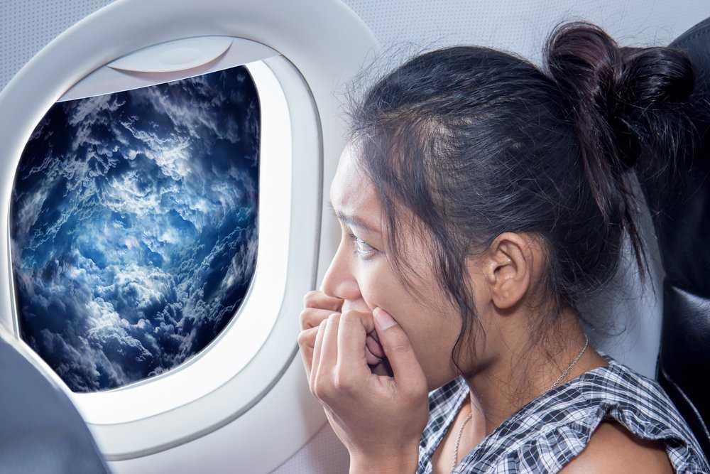 Tips Mengatasi Rasa Takut saat Naik Pesawat Terbang