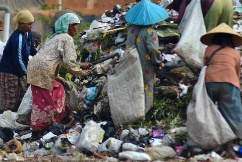 Pengertian Kemiskinan Menurut Para Ahli